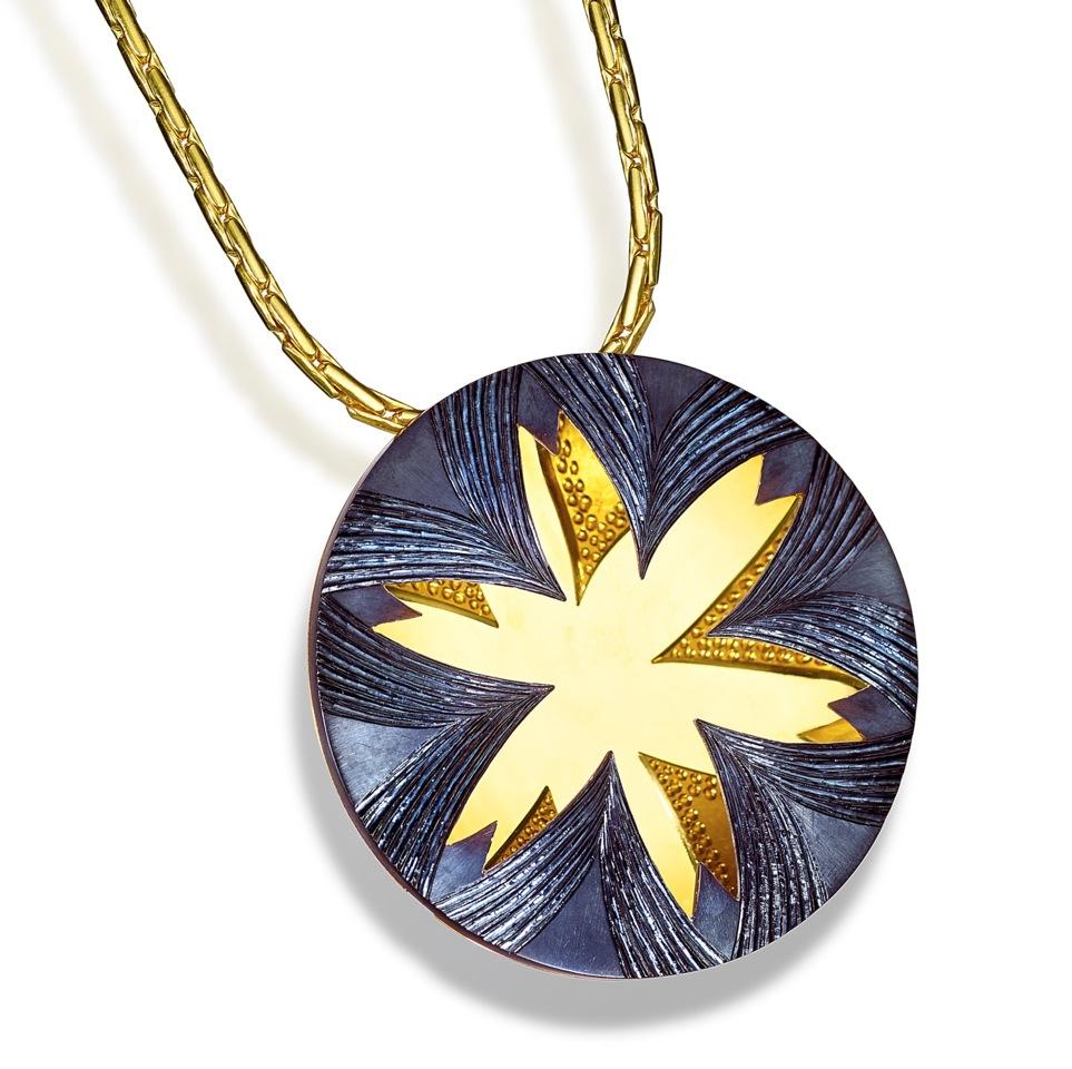 "<a href=""/jewellery/pendant-alan-craxford"">Pendant ( Alan Craxford )</a>"
