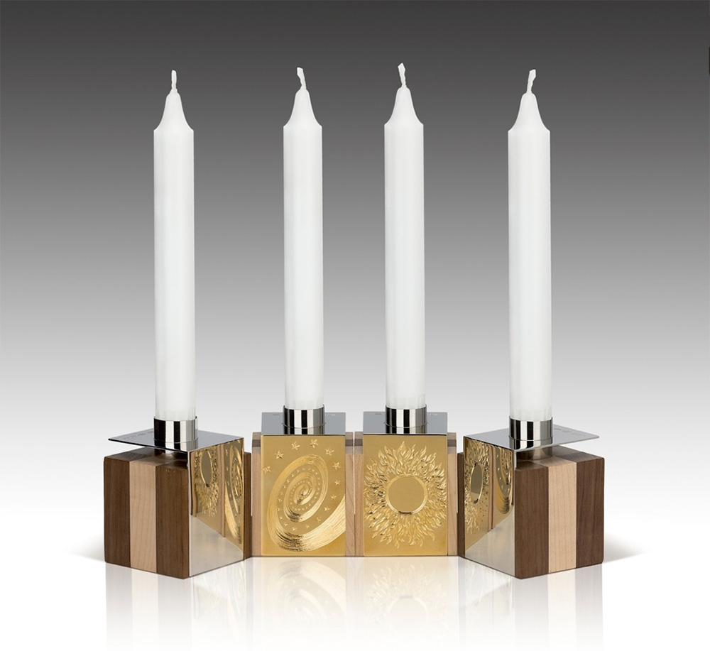 "<a href=""/jewellery/4-candleholders-design-alan-craxford-two-pairs-reflection-candleholders-55cm-cube-hand"">4 Candleholders Design by Alan Craxford two Pairs Reflection Candleholders 5.5cm cube, hand engraved. each pair has one mirror and one engraved silver panels</a>"